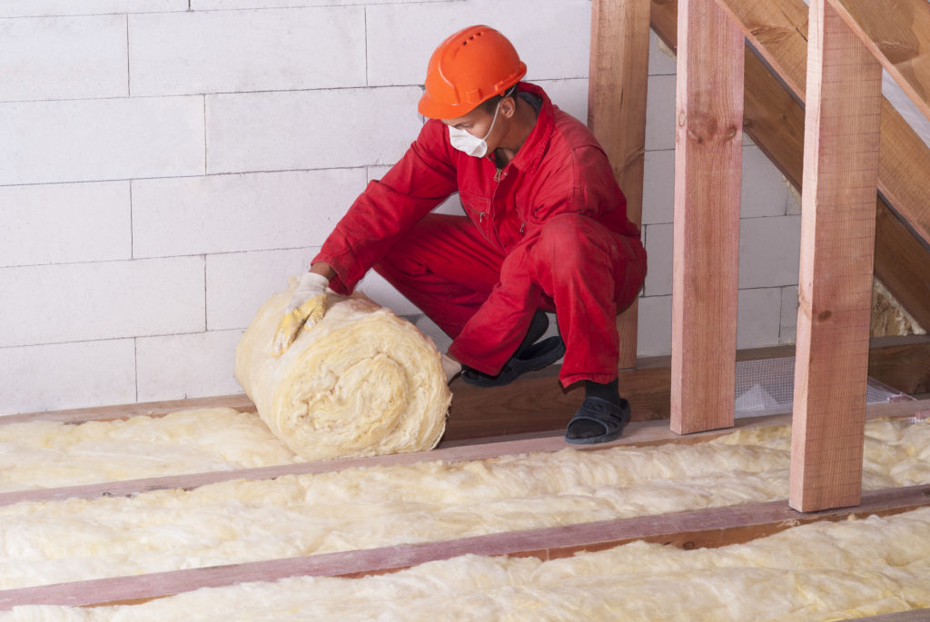 Rolling out insulation